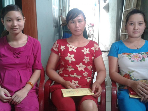 photo of Young Women Learn To Do Business -N3Th3Đông Anh Group