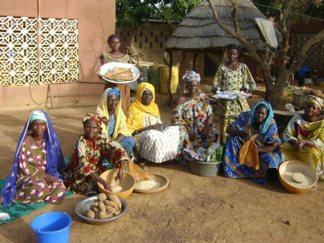 Sabougnouman (Porte Bonheur) Group