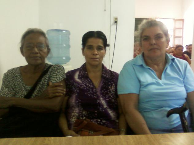 Las Tres Rosas Group