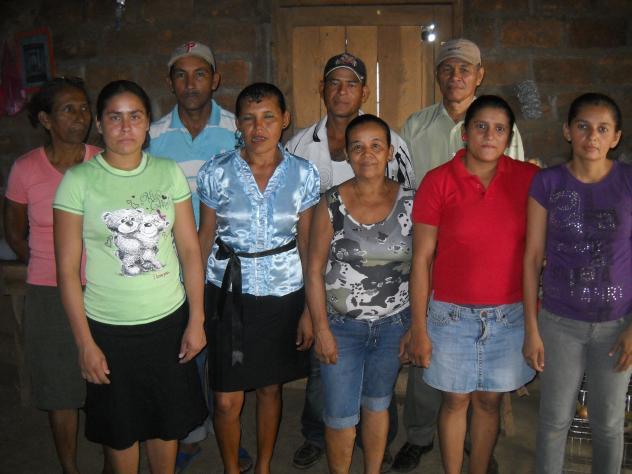 Dios Con Nosotros. Group