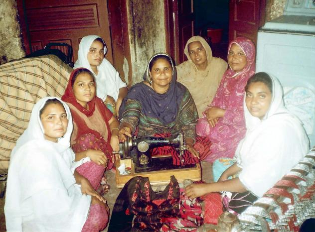 Salma Qamar Akhtar Group