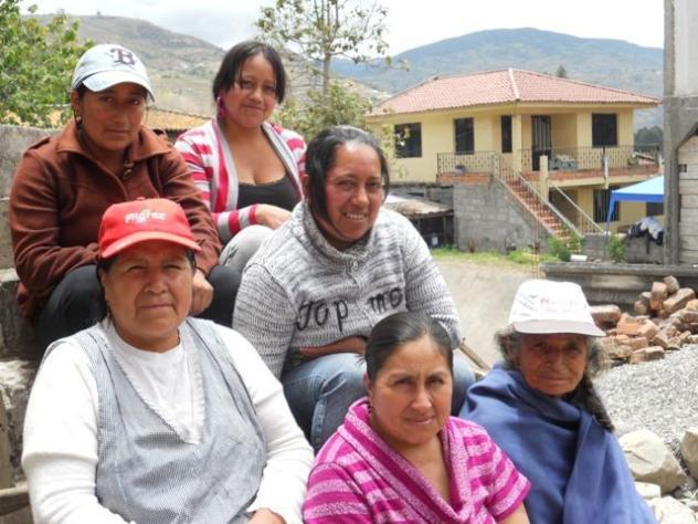 La Estancia  < Paute> Group