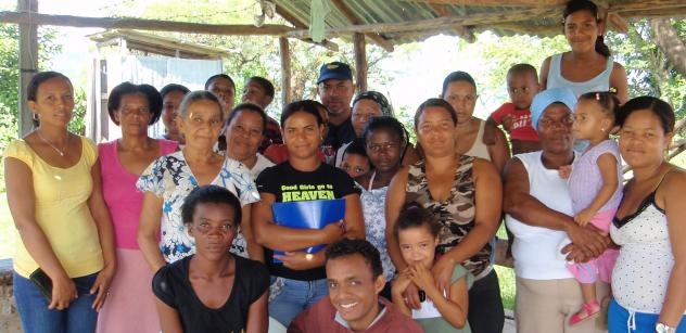 Luchando Contra La Pobreza Group